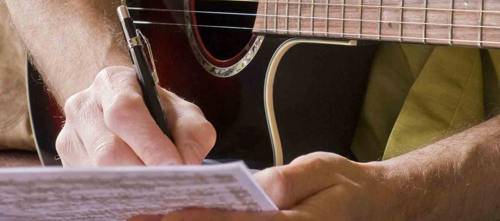 şarkı-sözü-yazarak-gelir-elde-etme