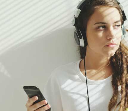 müzik-dinleyerek-para-kazanma-işlemi